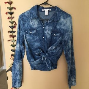 Tops - Washed denim button down